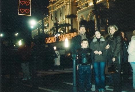 Il mio papà Claudia, il mio fratellone Riccardo, io, e la mia mamma Maria Teresa.