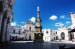 Piazza_Salandra_centro_storico_Nardò-592x394