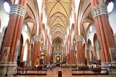 interior-of-san-petronio
