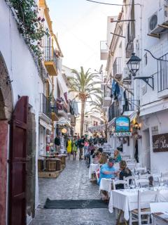 depositphotos_96075112-stock-photo-ibiza-old-town