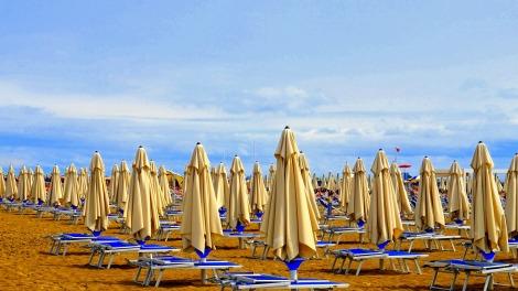 beach-4439639_1920