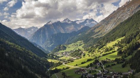 alpine-4552654_640